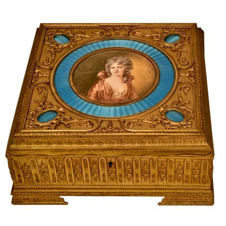 antique-decorative-arts-KAUC144P-3