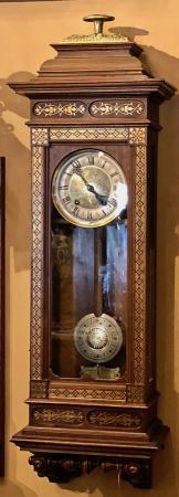 antique-clock-RHOL1433