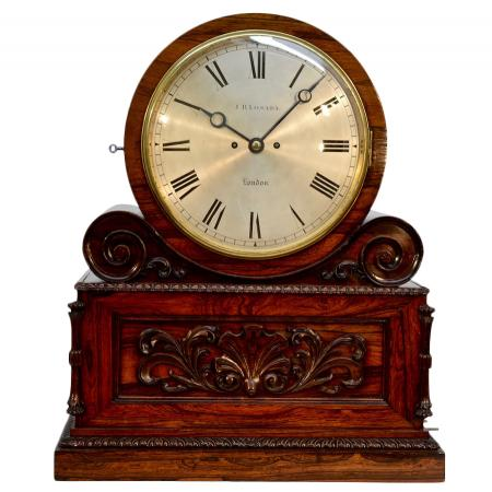 antique-clock-MTEP6P