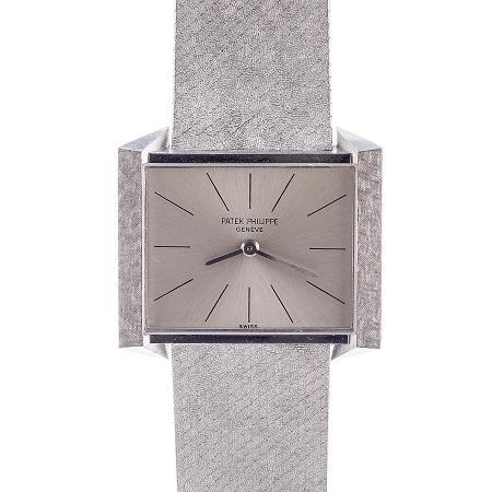 vintage-wristwatch-SSHO1521-1