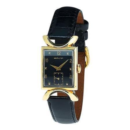 vintage-wristwatch-AAUC989P