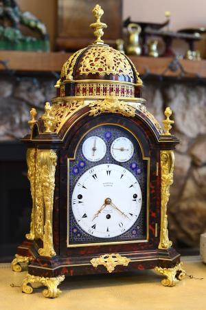 antique-clock-EMAR1000
