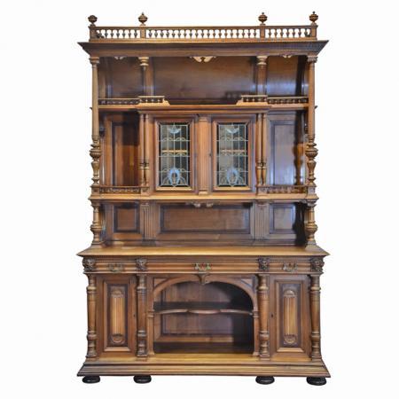 antique-furniture-CAAU87BP-4